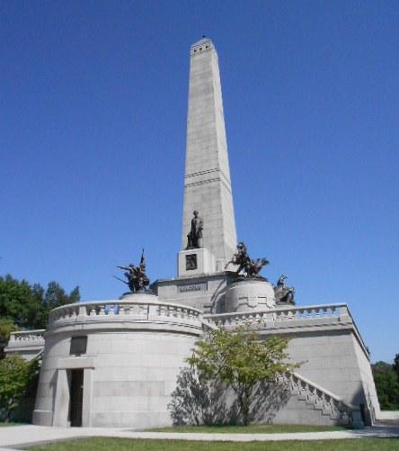 La présence de Lincoln l'exige, paradoxe avec ce que je viens de voir...