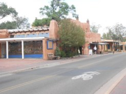 Arrivées à Santa Fe; rue Old Santa Fe trail