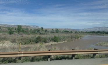 On suit la rivière Colorado.