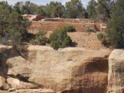 Et tout en haut de cette falaise, le Sun Temple.
