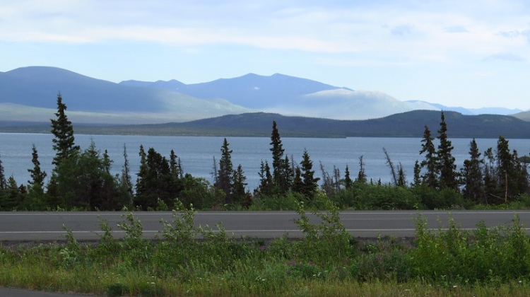 Un autre grand lac : le Dezadeash